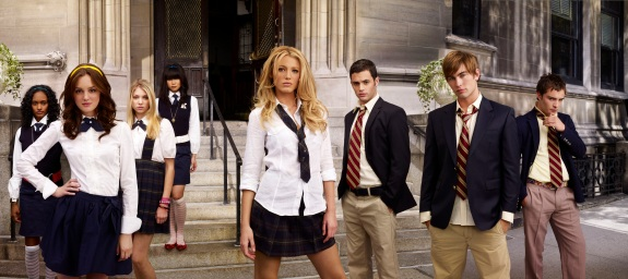 Gossip Girl-- Pictured: (l-r) Nicole Fiscella, Leighton Meester, Taylor Momsen, Nan Zhang, Blake Lively, Penn Badgley, Chace Crawford, Ed Westwick stars in GOSSIP GIRL on THE CW. Photo Credit: The CW / Andrew Eccles © 2007 The CW Network, LLC. All Rights Reserved.